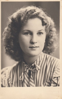 Dee as a young woman