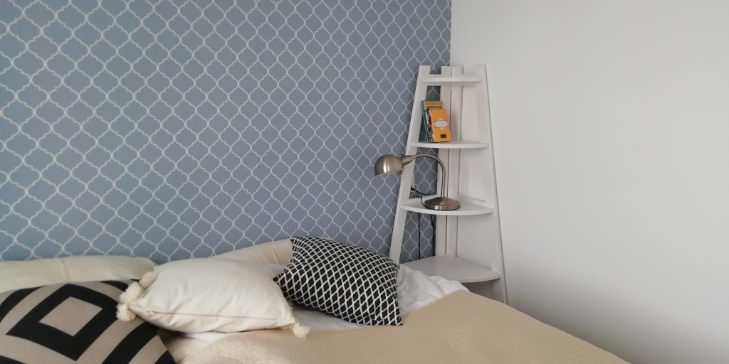 Corner cupboard 10 euros